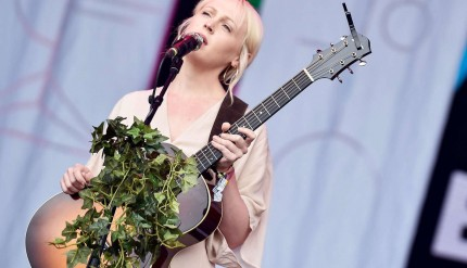 Laura-Marling-Glastonbury-2017